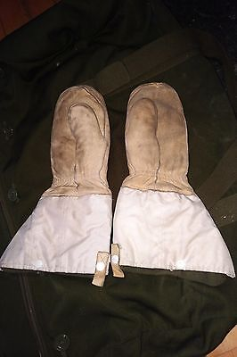 Canadian Military Arctic Extreme Cold Winter Gauntlet Gloves Mitts Medium