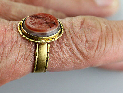 *SC* EXCEPTIONAL & LARGE ROMAN GOLD RING w. NIKE CROWNING GODESS!