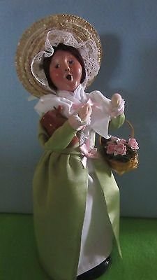 Byers Choice Caroler 2014 Colonial Flower Woman 5214w