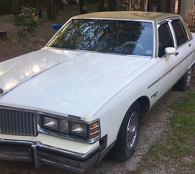 1981 Pontiac Bonneville  1981 Pontiac Bonneville less than 20,500 miles