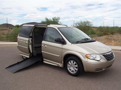 2007 Chrysler Town & Country Touring Wheelchair Handicap Mobility Van 2007 Chrysler Town & Country Touring Wheelchair Handicap Mobility Van Low Miles