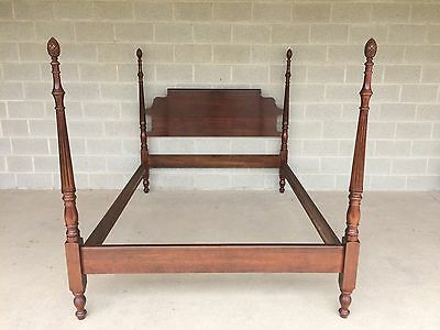 Cresent Furniture Pineapple Poster Queen Bed Solid Cherry Chippendale Style