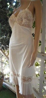 Vintage 1950's White Crystal Nylon & Lace Pleated Full Slip 32/s