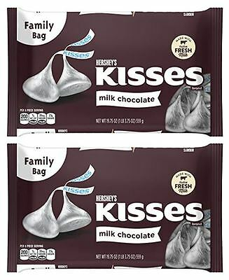 911532 2 x 559g BAGS OF HERSHEY KISSES MILK CHOCOLATE FAMILY BAG! PRODUCT OF USA