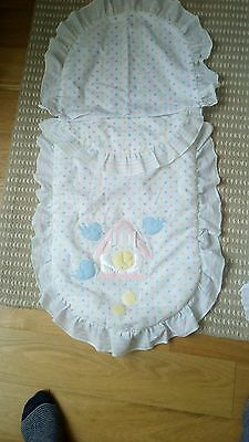 "Baby's pram/""pushchair quilt and pillowcase"