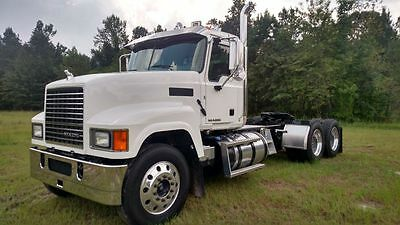 2015 MACK PINNACLE CHU613 MP8(505hp), FULLER 13 SPD, 133k miles, MACK REARS