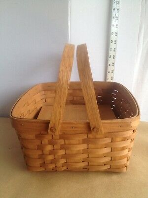 1989 Longaberger Pie Basket With Stand.