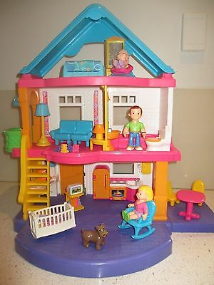 FISHER PRICE My First Dollhouse with furniture and figurines - EUC
