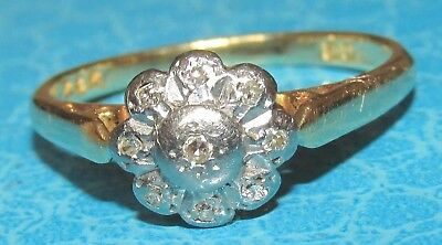 BEAUTIFUL VINTAGE 18ct YELLOW GOLD DIAMOND CLUSTER RING SIZE N1/2