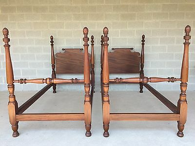 Berkey & Gay Antique Pair Of Mahogany Single Pineapple Poster Beds (Solid)