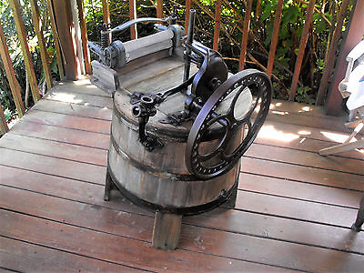 ANTIQUE 1800s WOOD HAND WASHING MACHINE WORKS  RARE FIND ONE OF A KIND NR