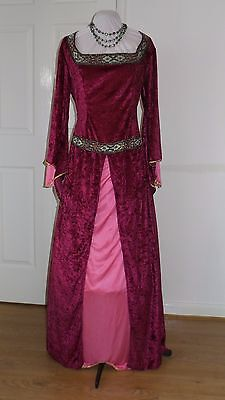 Game of Thrones, Medieval style dress by Smiffy   Theatrical stage