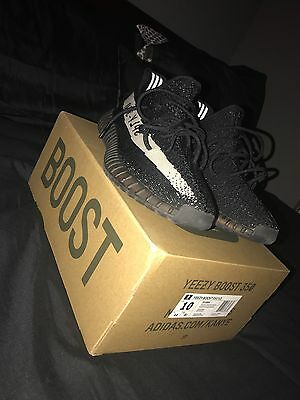 Yeezy Boost 350 v2 Oreo size 10 BY1604