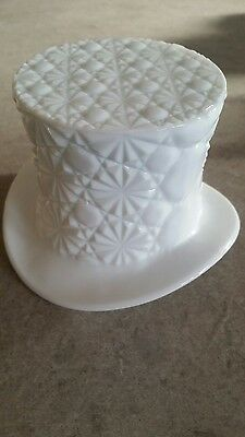 Milk glass vase/ornament
