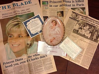 "Diana ""The People's Princess"" Plate 1st issue-1981/1997 wedding/death Articles"