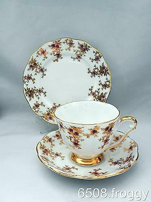 Early *QUEEN ANNE* c1959 Gold /Pink -Pattern 5747 - TRIOS - (5 available)  Mint