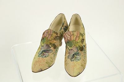 Laura Ashley vintage shoes in tapestry fabric. Unworn in original box. Size 6