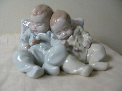 Lladro Figurine Little Dreamers #5772 With Box
