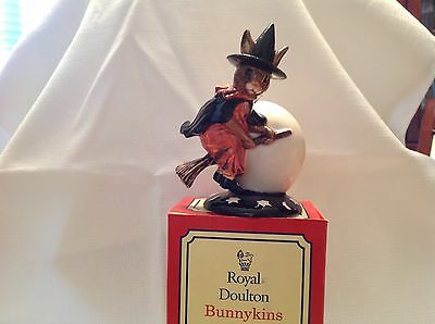 royal doulton figurines, Trick Or Treat Bunnykins