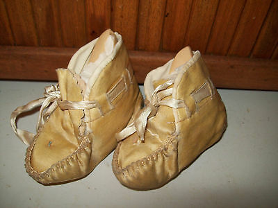 Sweet Vintage Native American Indian Child Baby  Moccasins