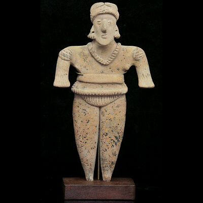 A Pre-Colombian Colima pottery figure of a male, 100 BC - 250 AD, y2608