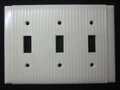 Vintage P&S Uniline Bakelite ribbed lines ivory 3 gang switch plate cover Deco
