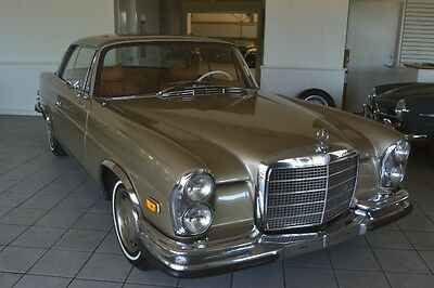 1971 Mercedes-Benz 200-Series 280SE 3.5 Coupe 1971 Mercedes 3.5 Coupe with a stick shift and sunroof