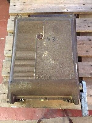 Vintage Retro Cast Iron Bill Royal 3 Phase Switch Fuse Box - Complete With Fuses