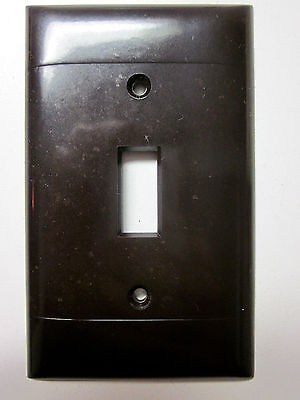Vintage Sierra brown Bakelite 2 ribbed lines smooth switch plate cover P-1 deco