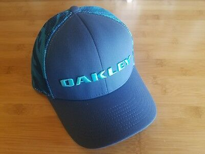 NEW Oakley Mesh Tech Trucker Hat Snapback Blue Camo Cap Golf