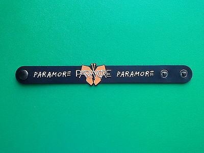 PUNK ROCK METAL MUSIC FESTIVAL RUBBER WRISTBAND/BRACELET:- PARAMORE (a) BLACK
