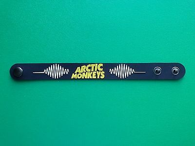PUNK ROCK METAL MUSIC FESTIVAL RUBBER WRISTBAND/BRACELET:- ARCTIC MONKEYS (b)