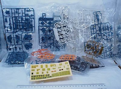 1/72 Zoids HMM 002  RHI-3 Command Wolf spare parts for sell