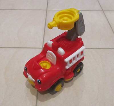 FISHER PRICE Lil' Movers Fire Truck with Sounds (Mattel 2005)