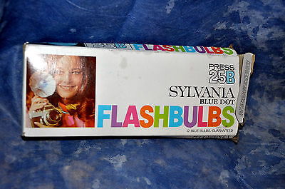 Vintage SYLVANIA FLASHBULBS Blue Dot Press 25B - Blue Bulbs In original box