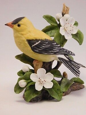 Franklin Mint Porcelain Bird:1985  Basil Ede Collection - American Gold Finch