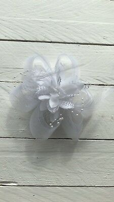 White Feather Fascinator Hair Clip Ladies Day Races Party Wedding