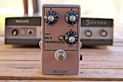 Mojo Gear Professional MkII Fuzz Effect Pedall Tone Bender with OC81d trans