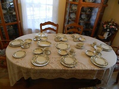 Fine China of Japan Holly Berry Christmas Set for (8) w/4 Serving Pieces 10-1