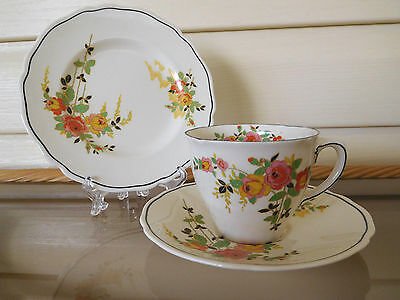 """Royal Doulton """"Rosslyn"""" Trio D5399 Made In England 1930s"""