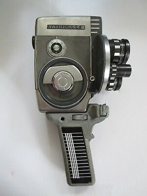 VINTAGE 1960's  YASHICA 8 EIII 8mm MOVIE CAMERA WITH CASE  MADE IN JAPAN