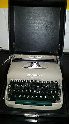VINTAGE REMINGTON TRAVEL RITER TYPEWRITER with case collectors