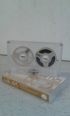 Compact  Cassette   Reel to Reel ( Farbe weis ) Audio Cassette