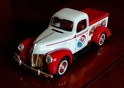 1940 FORD PEPSI COLA Die-Cast Delivery Truck (w/ Ship Box) BRAND NEW / MINT