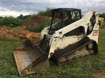 2005 Bobcat T300 SJC A71 package Heat and AC Cab, Power Tach, Ready to work!