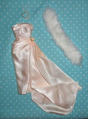 Reproduction Vintage #983 Enchanted Evening pink gown pearls stole Barbie