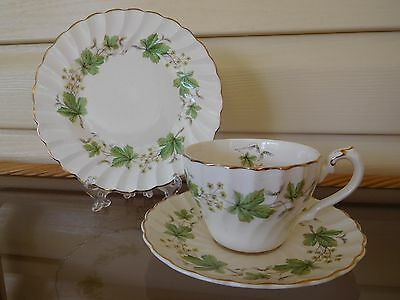 "Myott Olde Chelsea ""Harmsworth"" Trio Made In England 1950s"