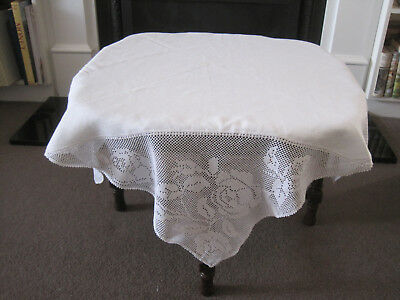 Gorgeous White Linen And Filet Crochet Lace Roses Tablecloth