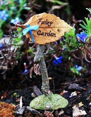 "HAND-PAINTED MINIATURE FAIRY GARDEN SIGN w/ LEAF POINTER & DRAGONFLY 4.75"" TALL"
