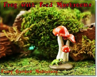 HAND-PAINTED RESIN MINIATURE FROG on RED MUSHROOMS w/ WHITE DOTS FAIRY GARDEN